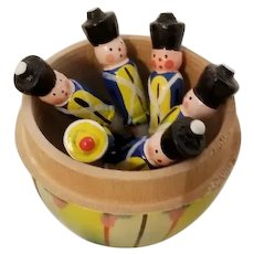 Erzgebirge Set of Wooden Toy Soldiers in an Egg