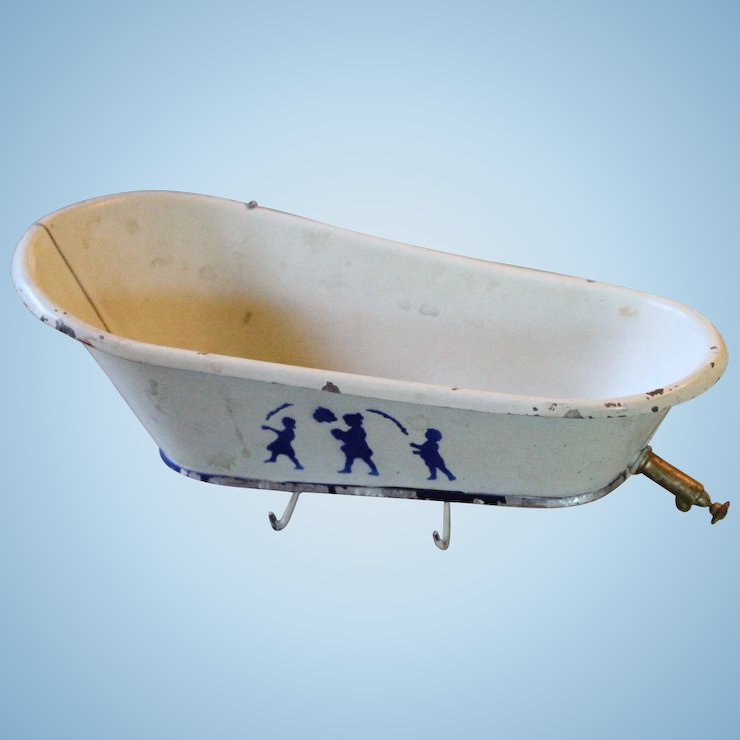 Very Old Toy Tin Bath Tub for Doll House Scene : Antiquefreak\'s ...