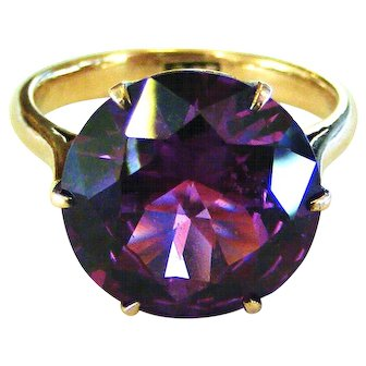 Fabulous 9k rose gold synthetic Alexandrite ring