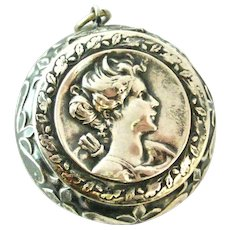 Lovely French art nouveau compact locket for a chatelaine in 800- 900 silver Diana the huntress.