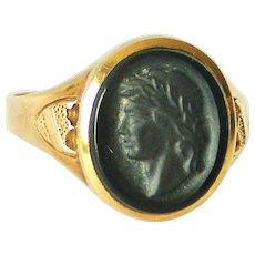 English 9k gold vintage intaglio/cameo signet ring 1965