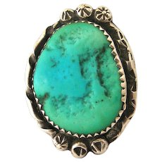 Beautiful vintage Navajo sterling silver turquoise ring