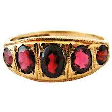 Beautiful vintage Victorian style 9k gold garnet 5 stone ring.