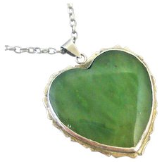 Lovely vintage large nephrite jade heart pendant in sterling silver mount