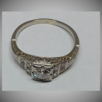 18k Deco Diamond Ring