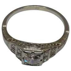 18k Deco Diamond Ring