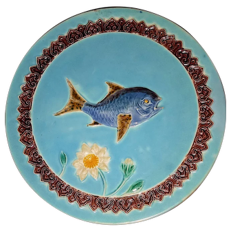 1880s English Signed  J. Holdcroft Majolica Plate