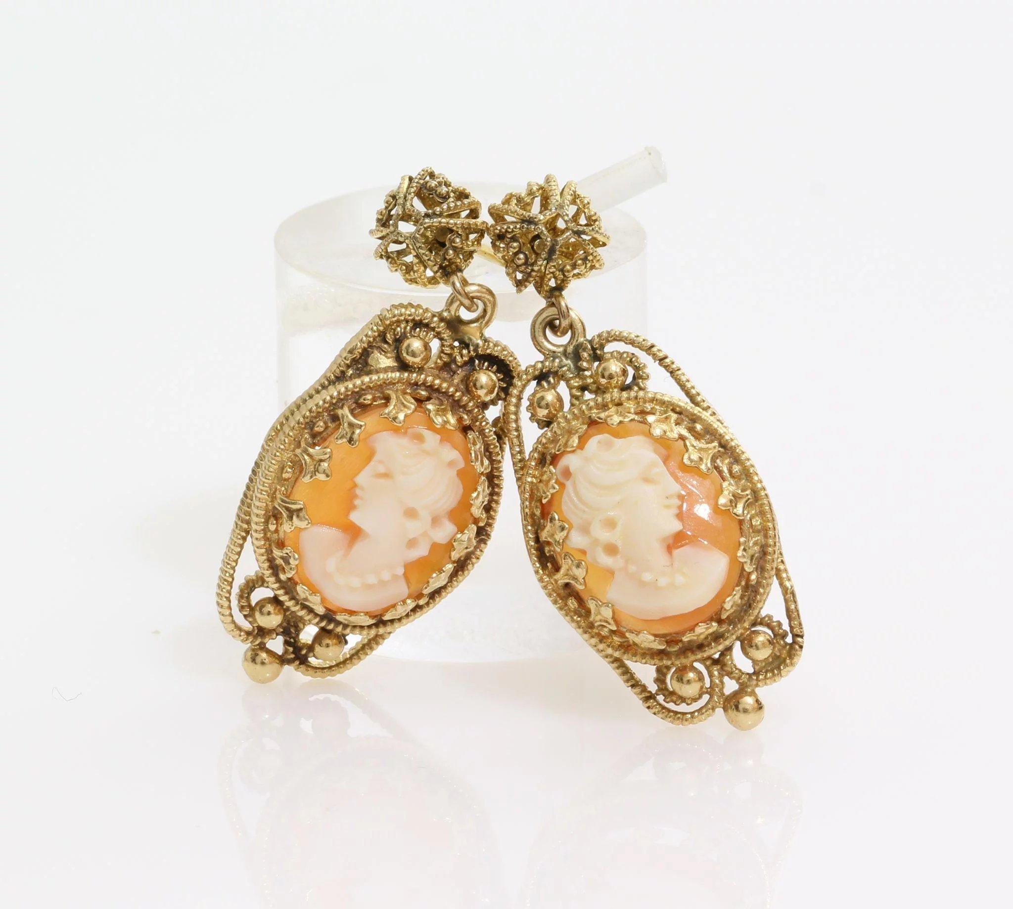 Cameo Drop Earrings 14k Yellow Gold Shell Vintage