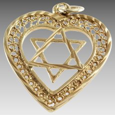 Magen David Heart Pendant | 18K Yellow Gold | Star Charm Vintage