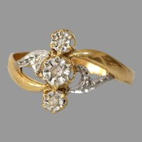 Art Deco Three Stone Diamond Ring | 18K Bicolor Gold | Engagement Vintage