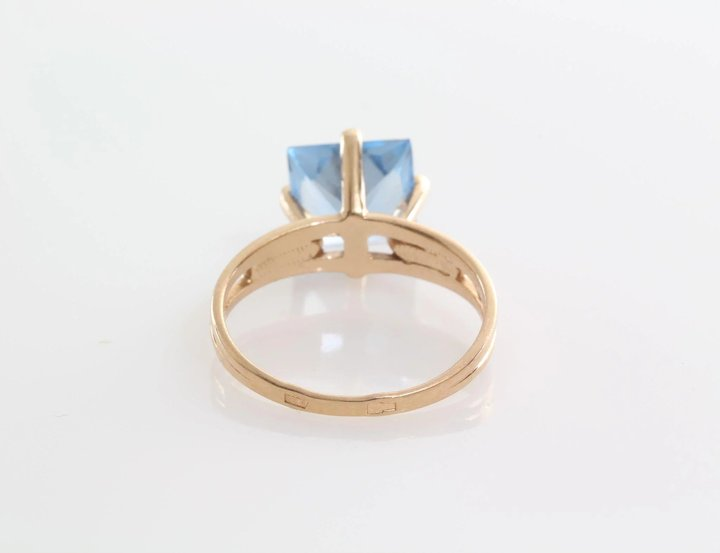 rings topaz oval sky set pin gold with white x ring measuring blue