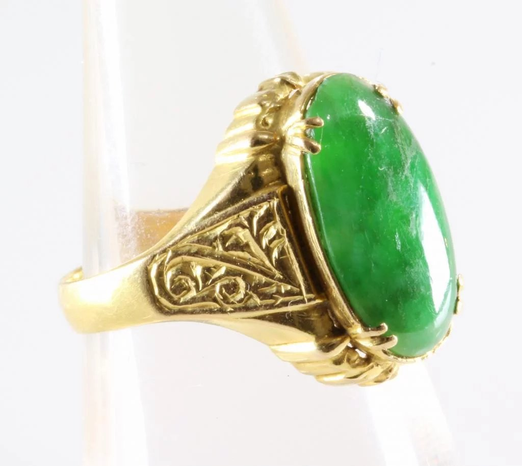 Antique Jade Ring 20k Yellow Gold Oval Cabochon