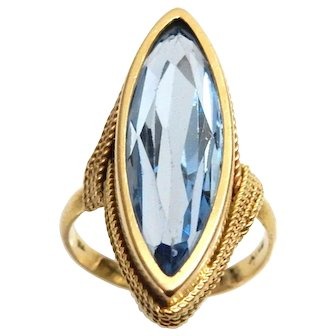 Vintage 18k Gold Ring with Marquis Blue Topaz