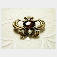 Art Nouveau 14K Yellow Gold Garnet and Pearl Brooch
