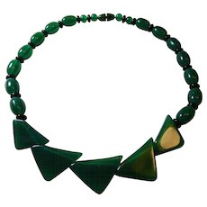 Art Deco Green and Black Lucite Necklace
