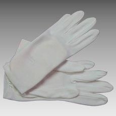 Vintage White Cloth Shalimar Gloves
