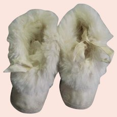 Adorable Whit Leather & Rabbit Fur Child's Booties