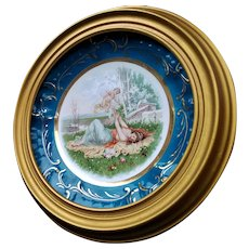 Beautiful Dresden Plate In Wooden Frame