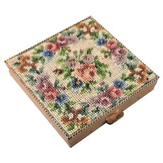 Peti Point Embroidered Purse Compact