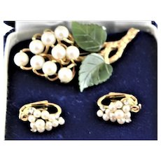 Van Dell Gold Filled White Cultured Pearls Jade Set