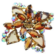 Vintage Juliana Triangle Shaped Gold/Brown Colored Glass Stones Brooch