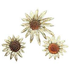 Popular Vintage Sarah Coventry Flower Brooch & Earrings