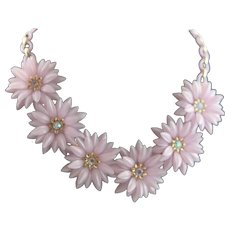 1950's Light Lavender Plastic Flower Dimensional Necklace