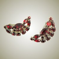 Beautiful Red Rhinestone '50's Clip Earrings