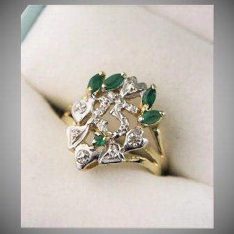 Beautiful Quincenerra 14K Gold Emerald & Diamond Ring