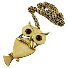 Signed Art Articulated Enamel Owl Pendent Necklace