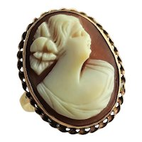 Beautiful Antique Carved Shell Cameo Ring