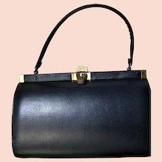 Pretty Little Mic Century Signed Vendi Handbag