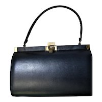 Pretty Little Mid Century Signed Vendi Handbag