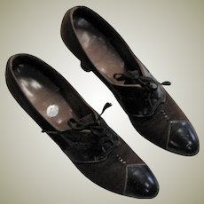 Beautiful Vintage 1920's Brown Leather Pumps