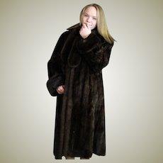 Luxurious Full Length Mink Fur Coat.