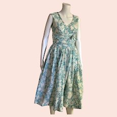 1950's Full Skirt Floral Full Skirt Dress