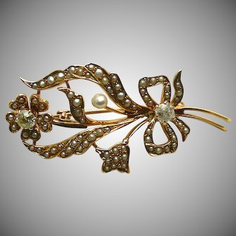 A Pretty Victorian 14K Figural Flower Pin With Pearls & Diamonds