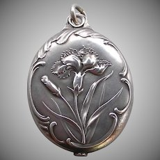 A Sterling Silver Art Nouveau Large French Slip Locket