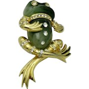 BOUCHER 1968 Lucite Rhinestone Dandy Frog Figural Brooch Pin