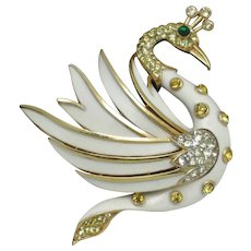 CROWN TRIFARI  Swan Bird Figural White Enamel Brooch Pin