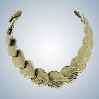 MIMI Di N 1981  Gold Plated Leaves Choker Necklace