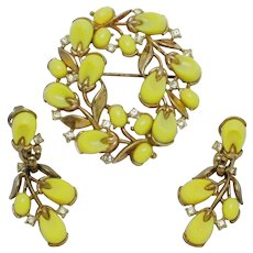 Vintage TRIFARI Set 1956 Pebble Beach Brooch and Earrings Yellow Lucite