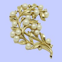 Vintage CROWN TRIFARI  Faux Pearl Rhinestone Pin Brooch