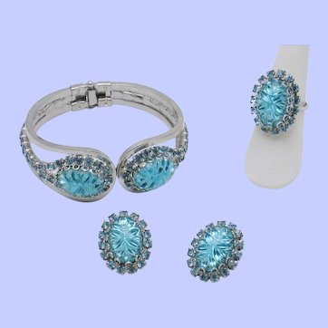 Gorgeous Teal Vintage 3 Pc Set Bracelet, Earrings, Ring Juliana Style