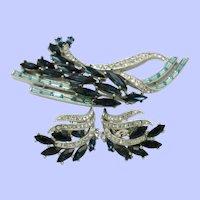Pristine CROWN TRIFARI Shades of Blue Rhinestone Brooch Earring Set