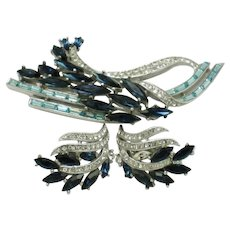 Pristine CROWN TRIFARI Shades of Blue Rhinestone Brooch Earring Set