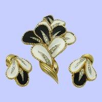 JOMAZ Joseph Mazer Black & White Flower Petal Brooch Earring