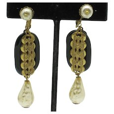 MIRIAM HASKELL Dangle Earrings Baroque Pearl Screwback
