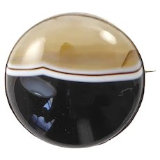 Round Victorian Banded Agate Brooch