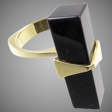Sculptural 14 Karat Gold and Onyx Modernist Ring